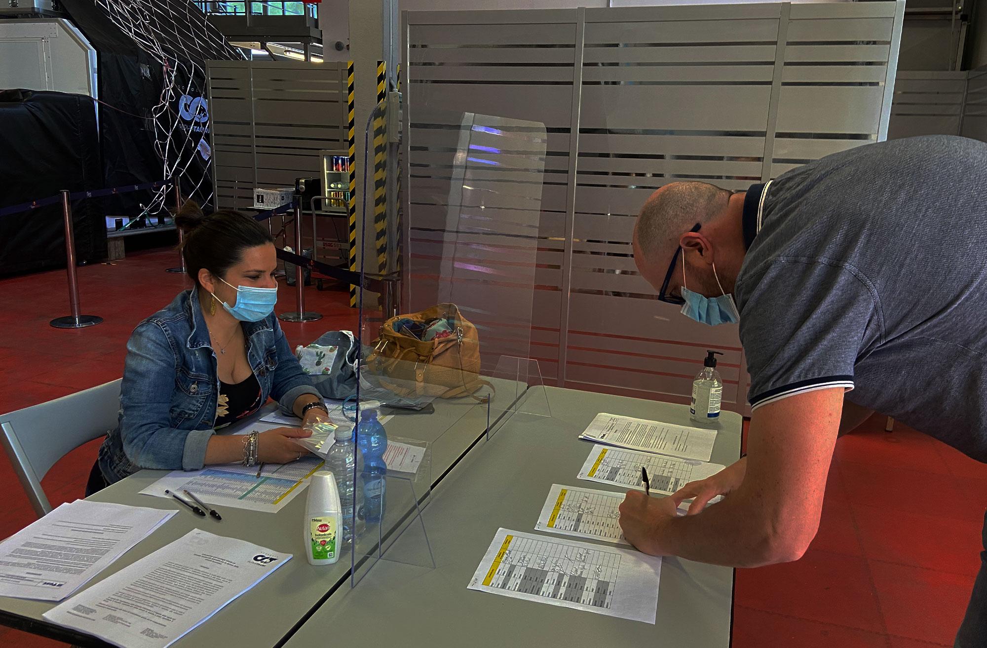 A csapatoknál is szigorú egészségügyi előírások léptek érvénybe.<br /><br />Fotó: Alpha Tauri