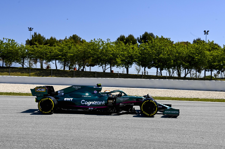 F1: Női pilótát igazolt Vettelék mellé az Aston Martin