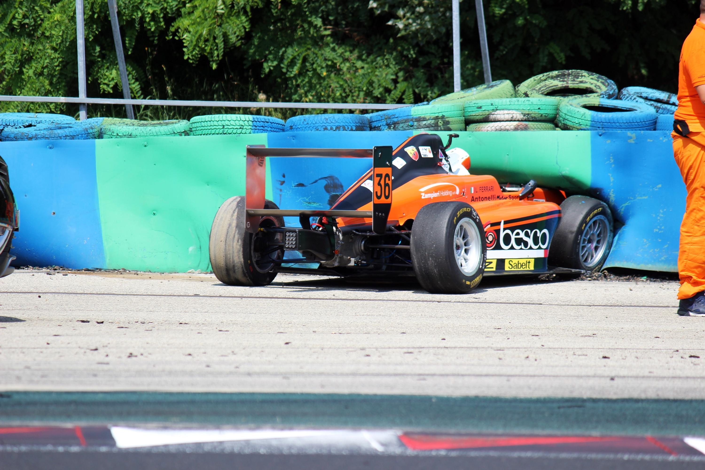 F4: Hajmeresztő bukások és a Ferrari-junior mázlija
