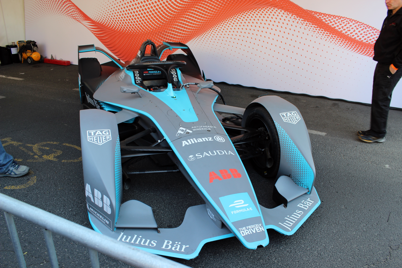 Először láthattunk budapesti aszfalton Formula-E autót.<br />Fotó: Kováts Olivér