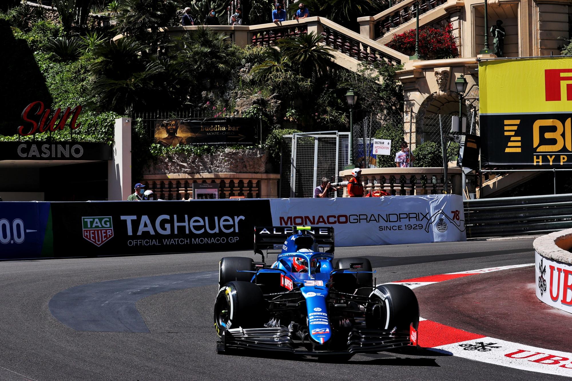 F1: Egy kiesett a Mercedes jövő évi esélyesei közül