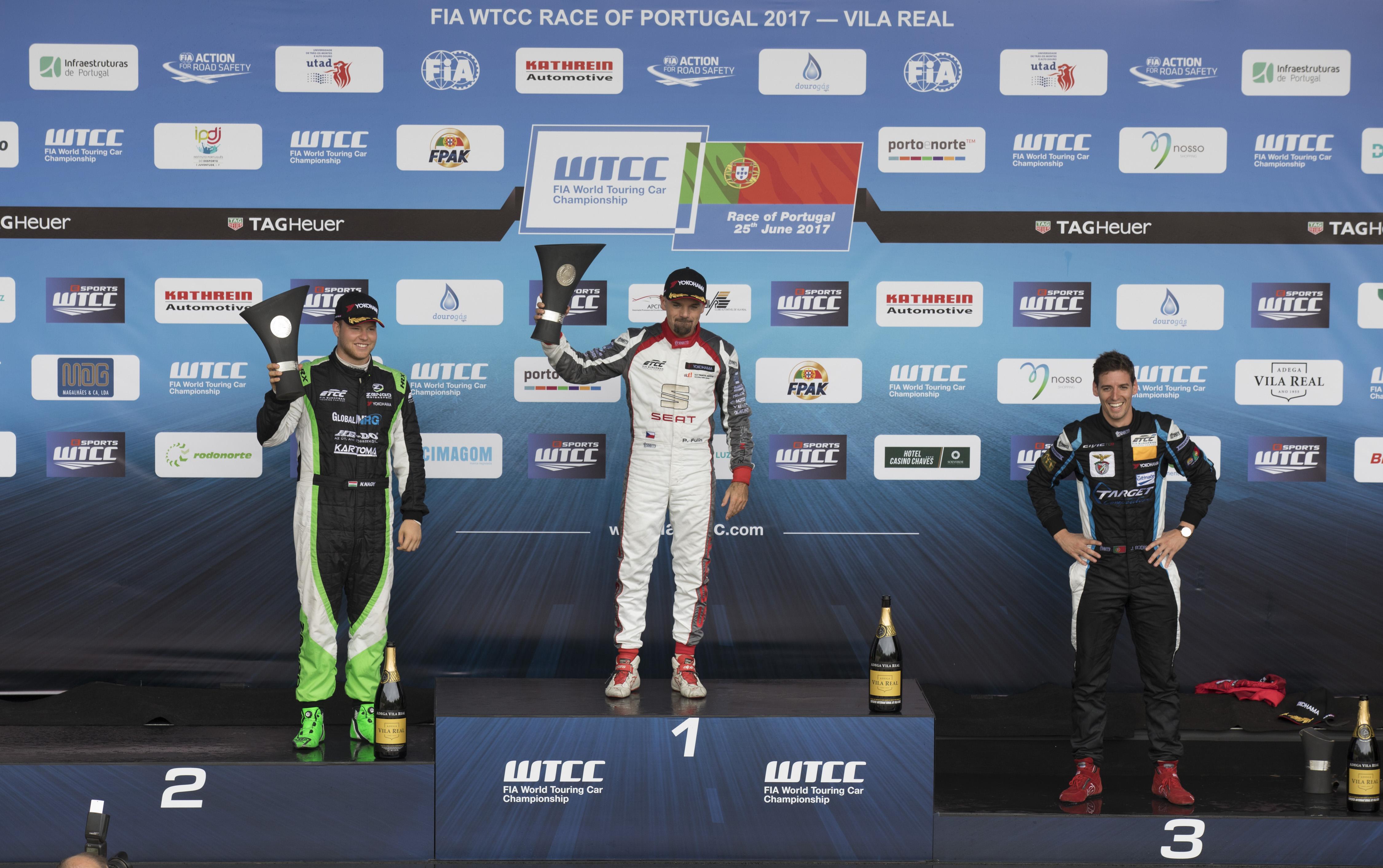 jose_rodrigues_etcc_race_of_vila_real_podium_2017-jpg.jpg