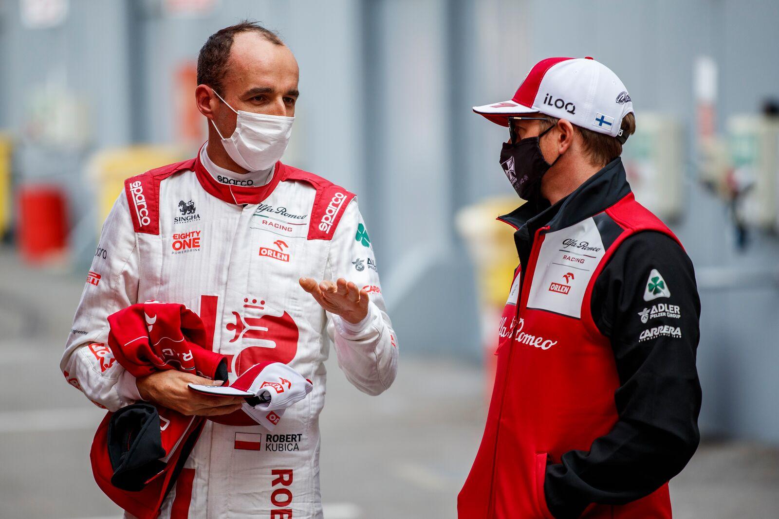 Itt vajon már az első tapasztalatokról faggatta Räikkönen Kubicát?<br /><br />Fotó:Xavi Bonilla / DPPI (Alfa Romeo Racing Media)<br /><br />