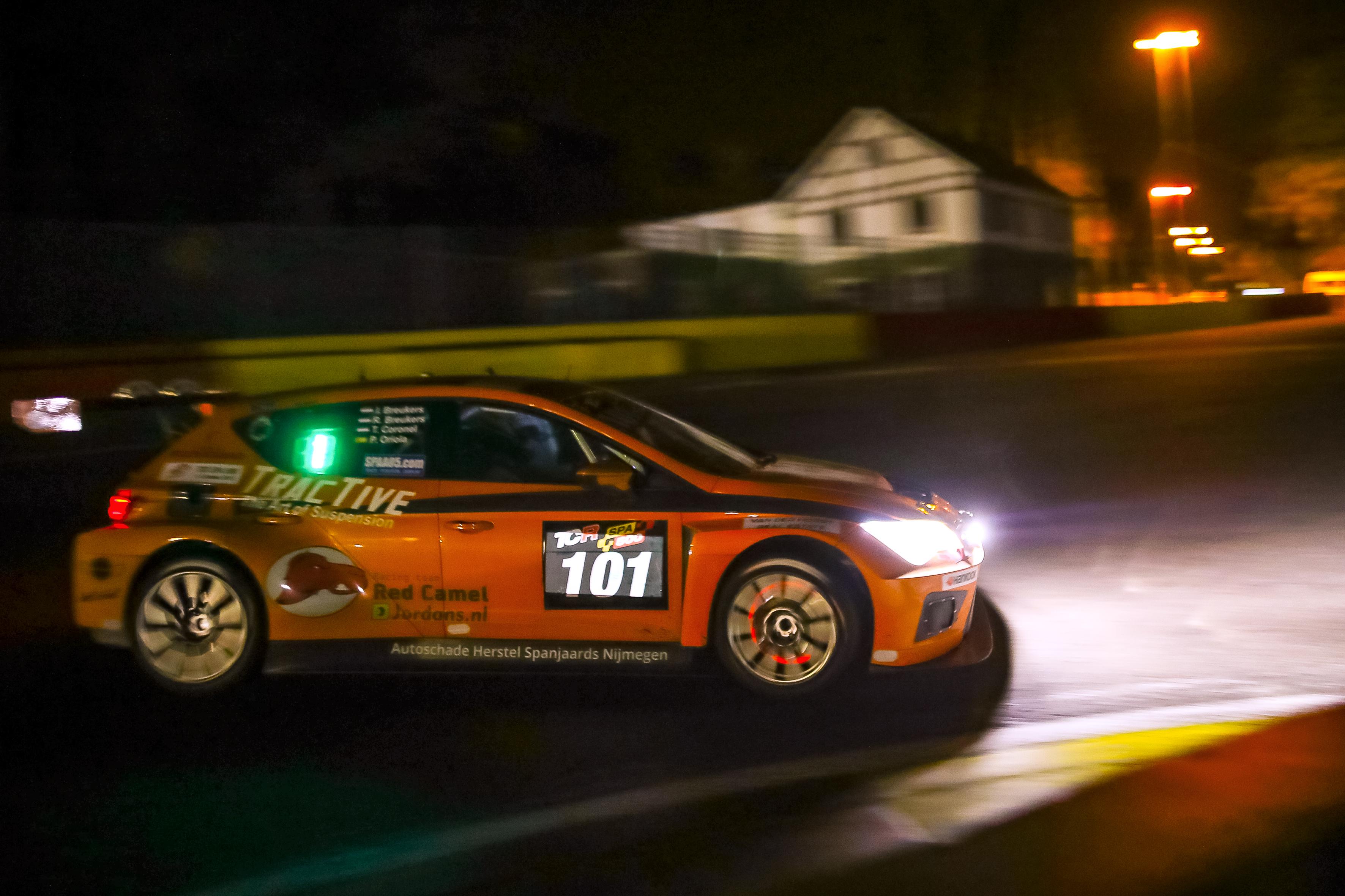 TCR: Coronelék nyerték az első Spa 500-at