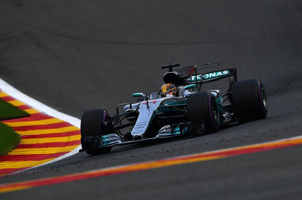 F1 - HAMILTON MEGNYERTE A 200. FUTAMÁT!