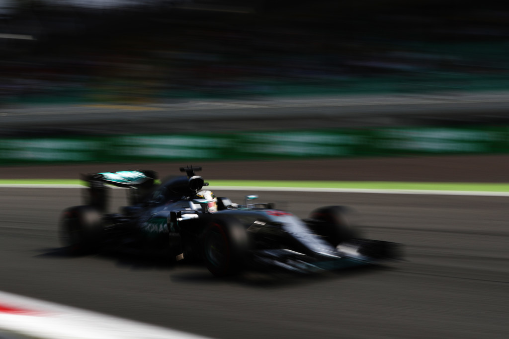 F1 - MONZA, 2016: HAMILTON LEVERTE A MEZŐNYT AZ IDŐMÉRŐN
