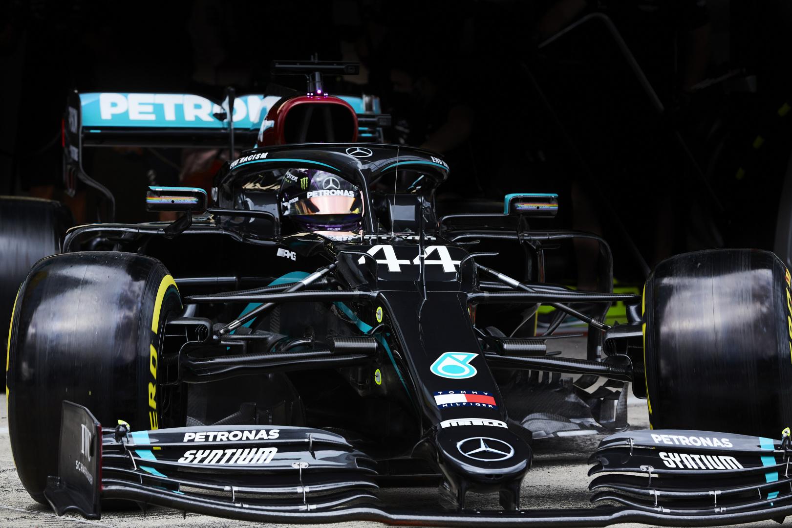 Szabályos-e a Mercedes trükkje, vagy sem? Döntött az FIA!