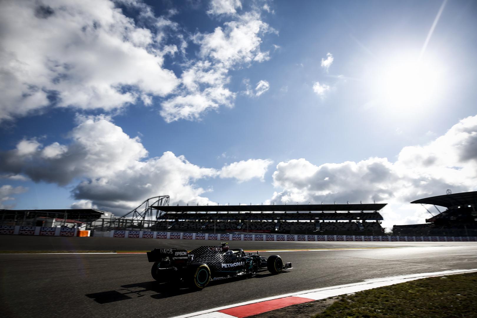 F1: Bottas meglepte Hamiltont, éledezik a Ferrari – így fest az Eifel Nagydíj rajtrácsa