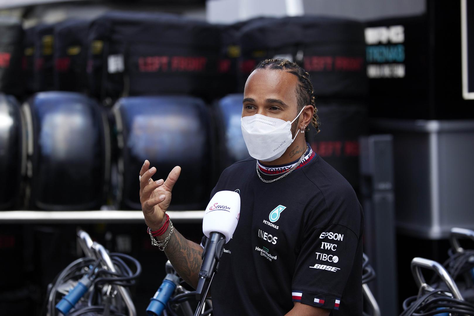 Így tennék Hamiltonék sokszínűbbé az F1-et