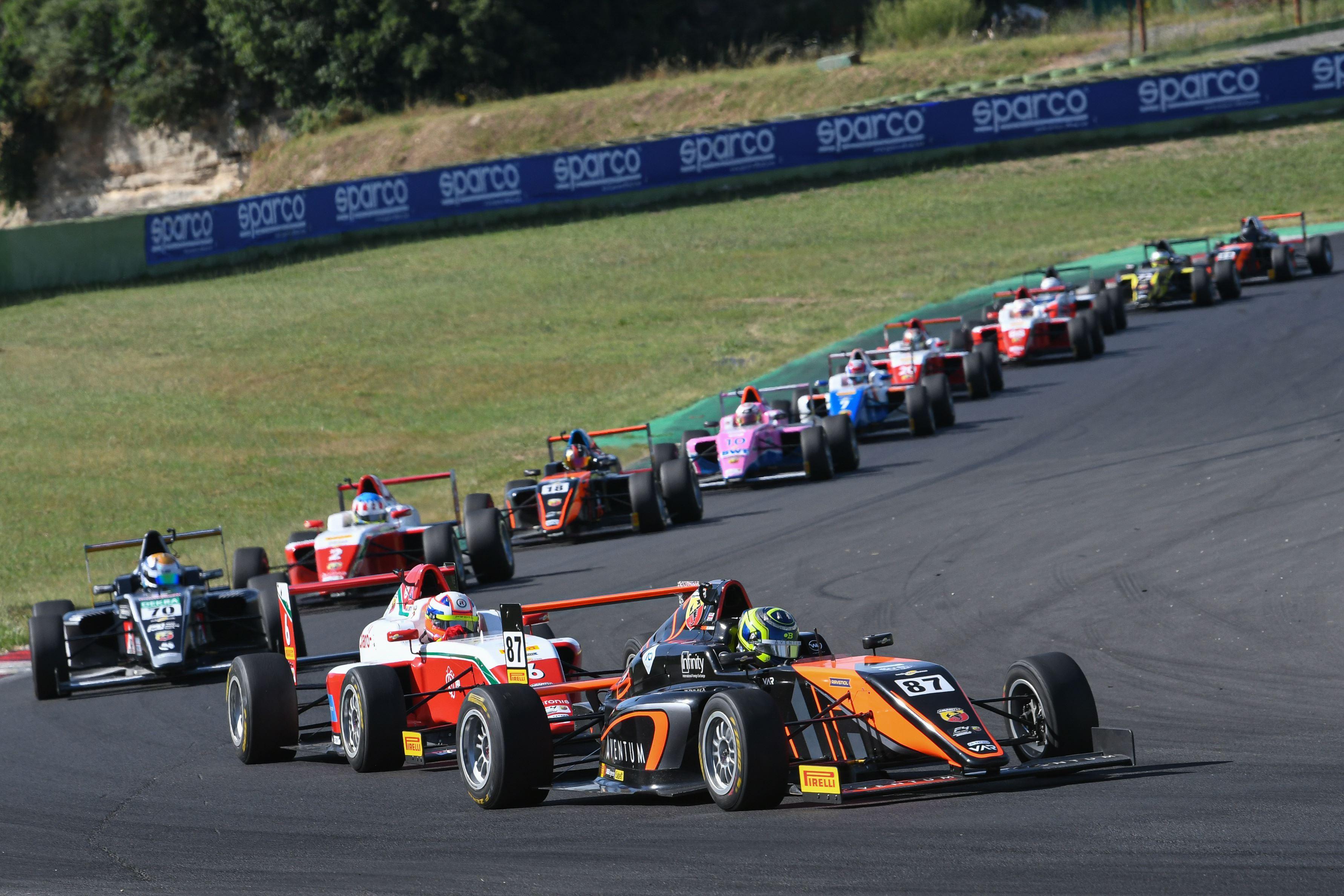 race_3.jpg