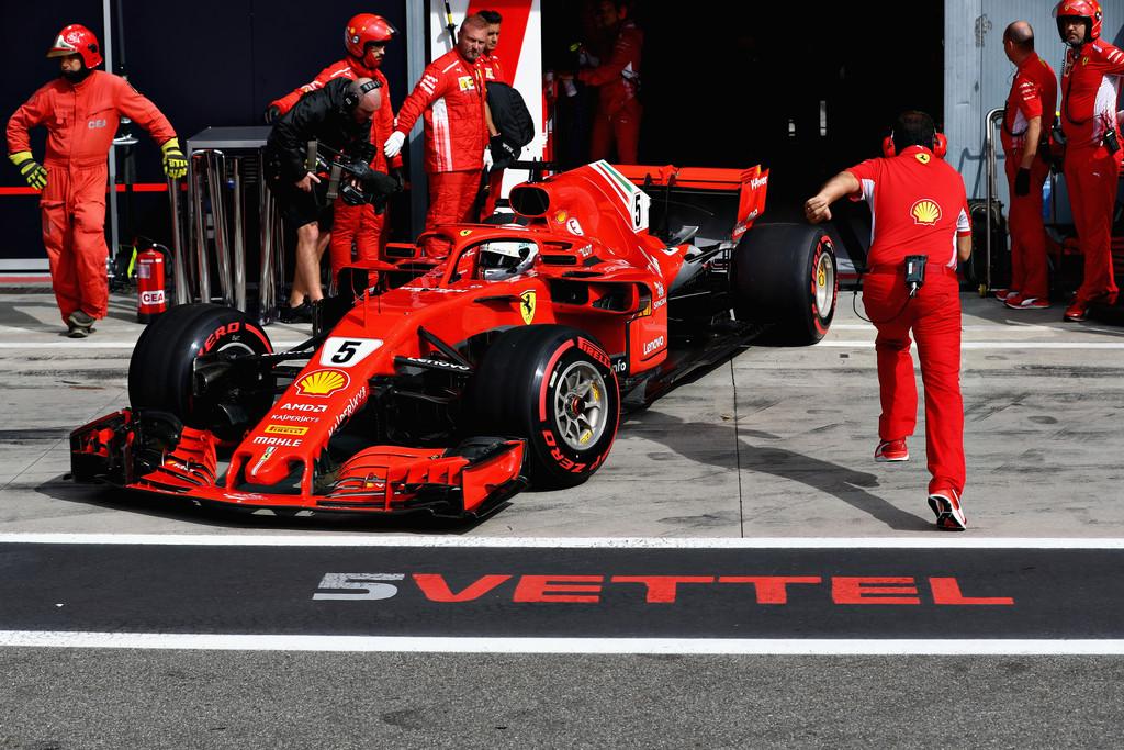 F1 - SZUZUKAI GUMIVÁLASZTÁSOK: MEGINT TÚL SOKAT KOCKÁZTAT A FERRARI?