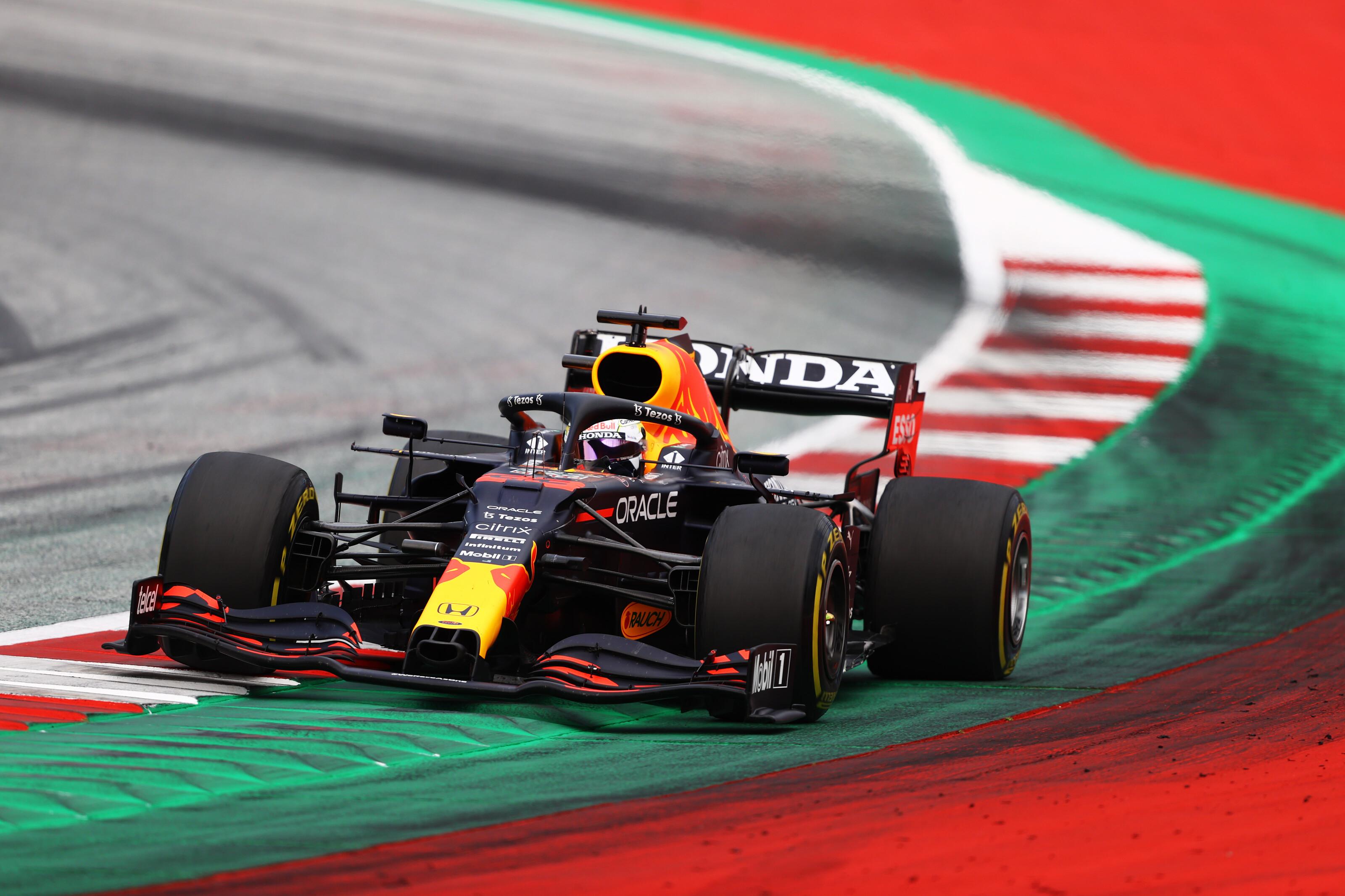 F1: Verstappen triplázott, tetemes már az előnye