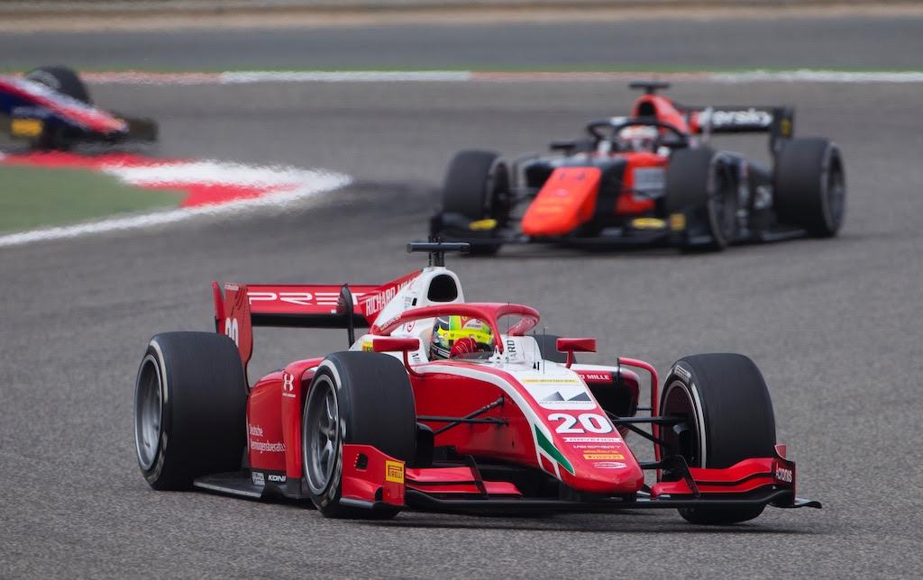 F2: Hiába rajtolt óriásit, csökkent Schumacher előnye