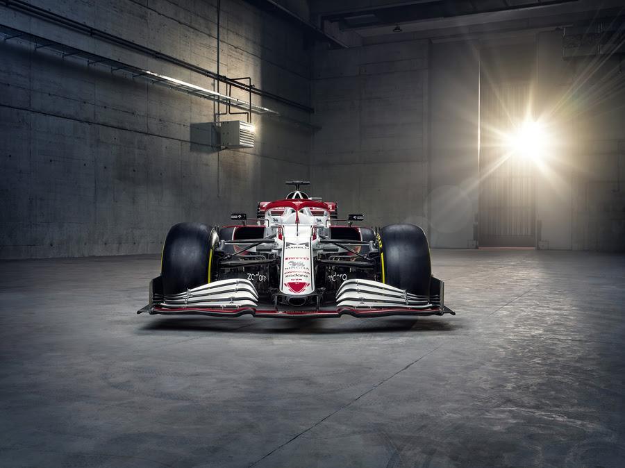 F1: Egyedi festést kap Räikkönenék autója