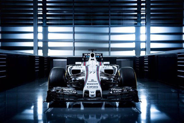 F1 - MEGÉRKEZETT A WILLIAMS 2016-OS AUTÓJA, AZ FW38-AS!