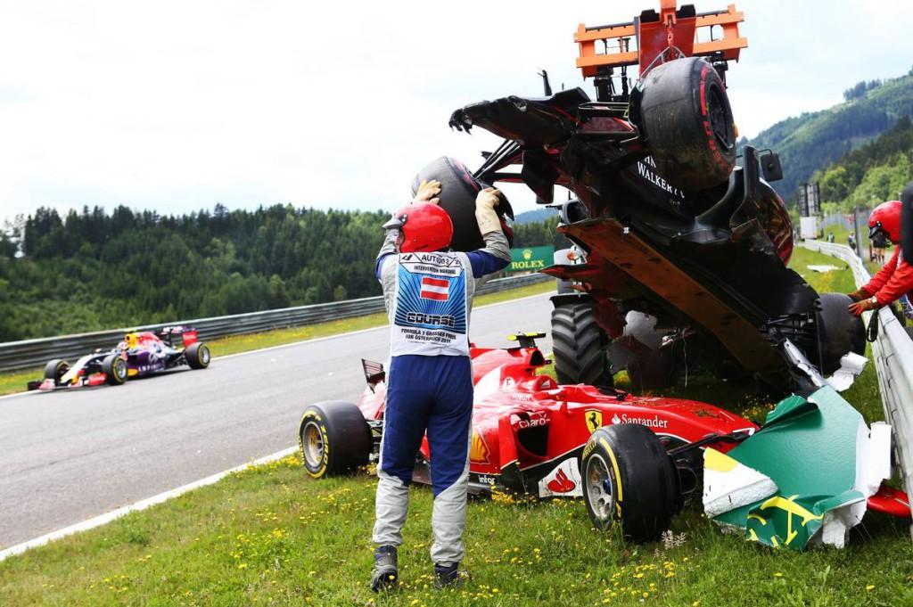 F1 - VERSENYBALESETNEK MINŐSÍTETTÉK AZ ALONSO-RAIKKONEN BUKÁST