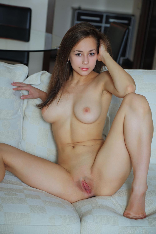 shaved-busty-brunette-babe-darisha-with-open-labia-from-met-art-9.jpg