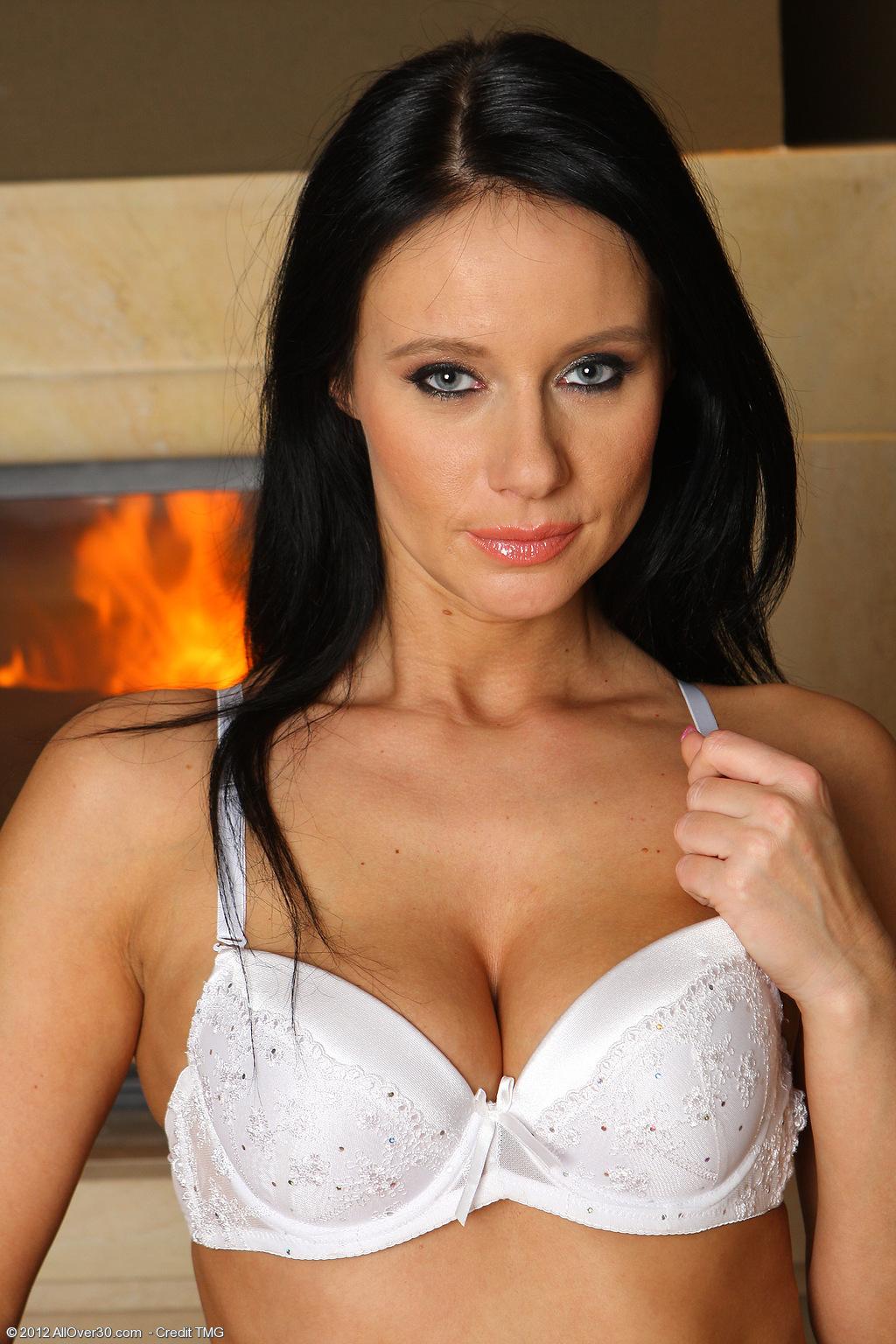 raven-haired-brunette-babe-jana-krabcova-wearing-white-lingerie-6.jpg