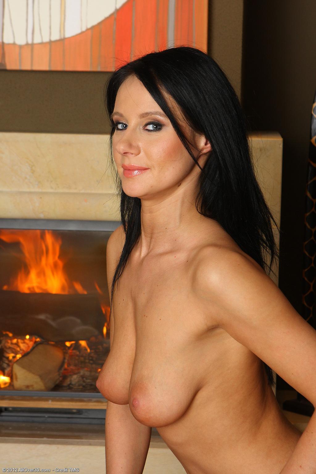 raven-haired-brunette-babe-jana-krabcova-wearing-white-lingerie-9.jpg