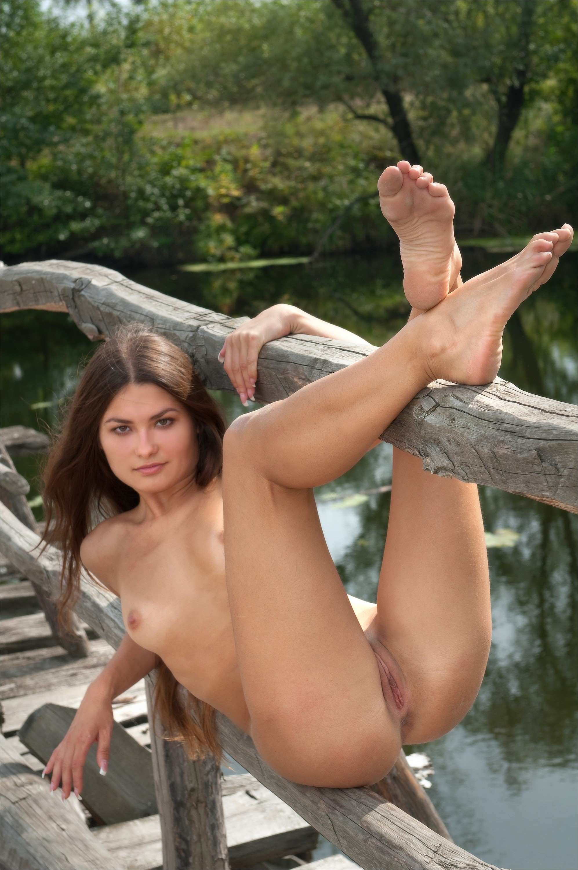 Nude Beauty With Long Legs And Super Tight Body Is Hot Playing With Pussy
