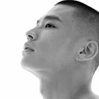 Tetoválások, Bach-imádat, egy fiatal zseni, akinek a koncertjén megáll az idő: Ji