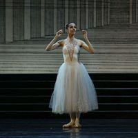 Spicc-cipő, emberfeletti elhivatottság, varázslat – izgalmas tények a balerinák világából