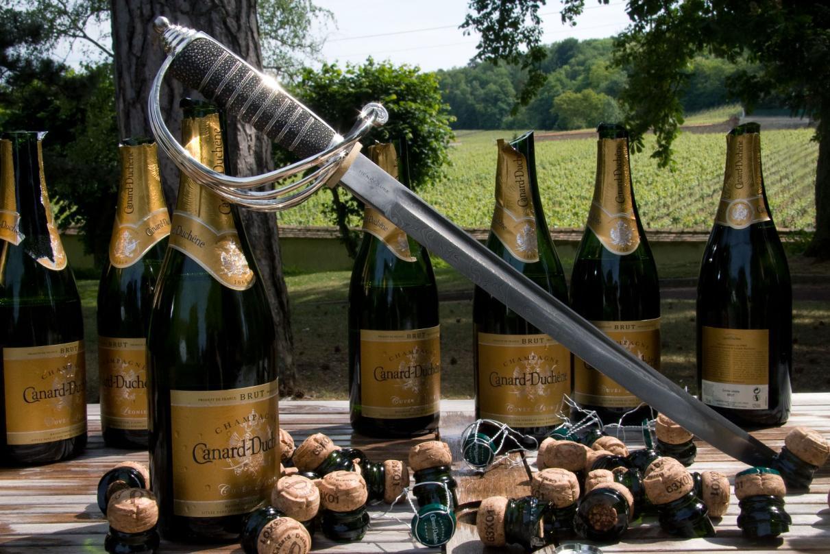 Champagne-sabre.jpg