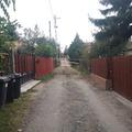 Szigetszentmiklós: Csatorna bekötés vízművek módra! 9:30 óta se ki, se be nem jutnak a Borsika utcaiak! Előzetes értesítés? Minek az?