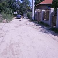 Lakosoktól - Lankás utca: Elegünk van! Viszlát Bucka!