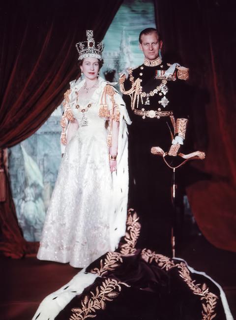 elizabeth_ii_philip_after_coronation.jpg