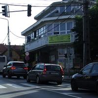 Újabb gócpontot gyártanának a Fő utcára: 150 parkoló fogadná a koncentrált célforgalmat