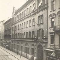 A Teréz Távbeszélő Központ épülete a 30-as években