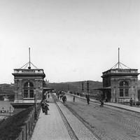 A Margit híd pesti hídfője 1890 körül