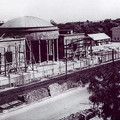 A 2-es metró visszabontott végállomás-épülete a Népstadionnál 1952-ben