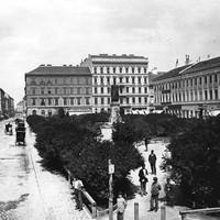 A József nádor tér a 19. század végén