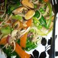 Mindent bele: ázsiai pirított vacsora