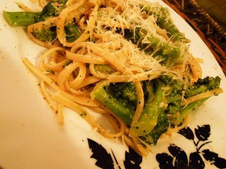 linguini_con_broccoli_alici_1_130217.jpg