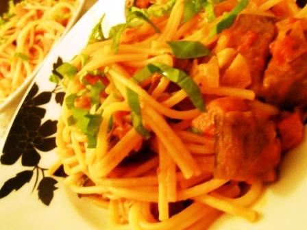 spagetti_padlizsannal_paradicsomszosszal_1_130123.jpg