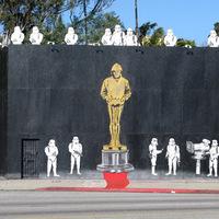 Mr. Brainwash falfestménnyel ünnepli Banksy Oscar jelölését