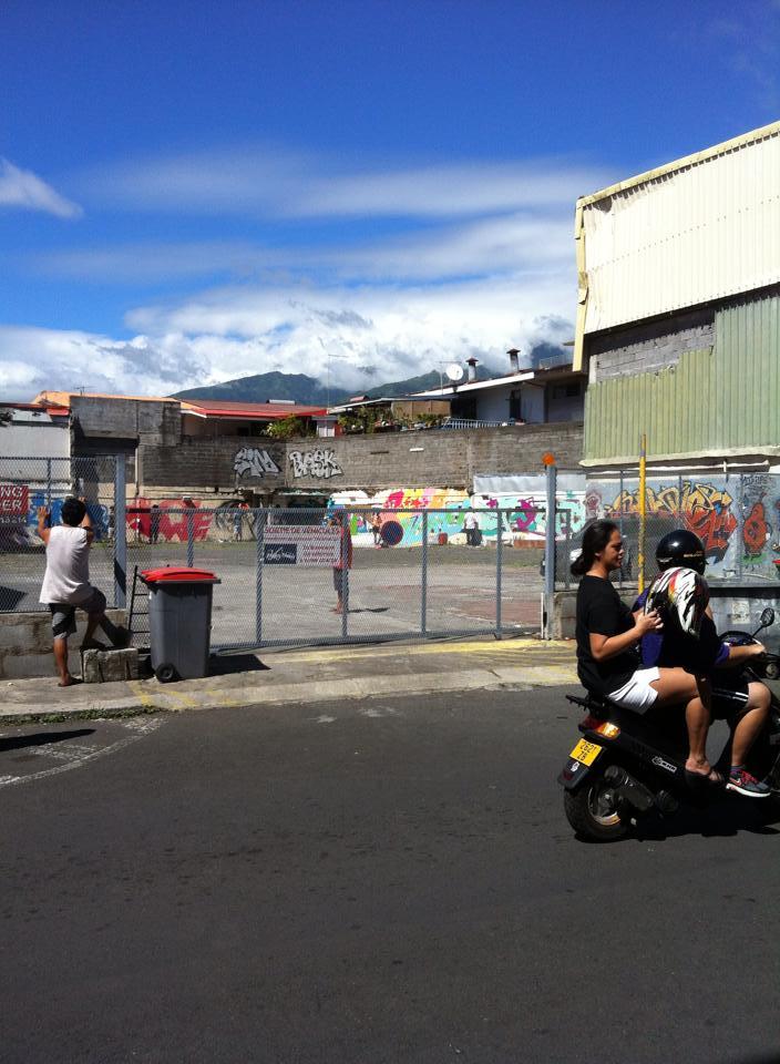 transone-tahiti-street-03.jpg