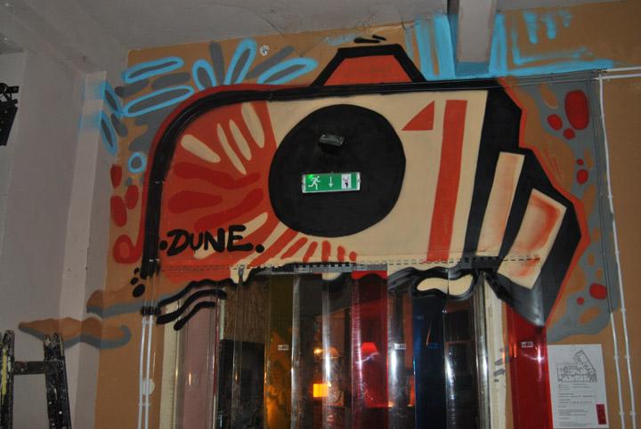 a-street-art-te-vagy-super8-05.jpg