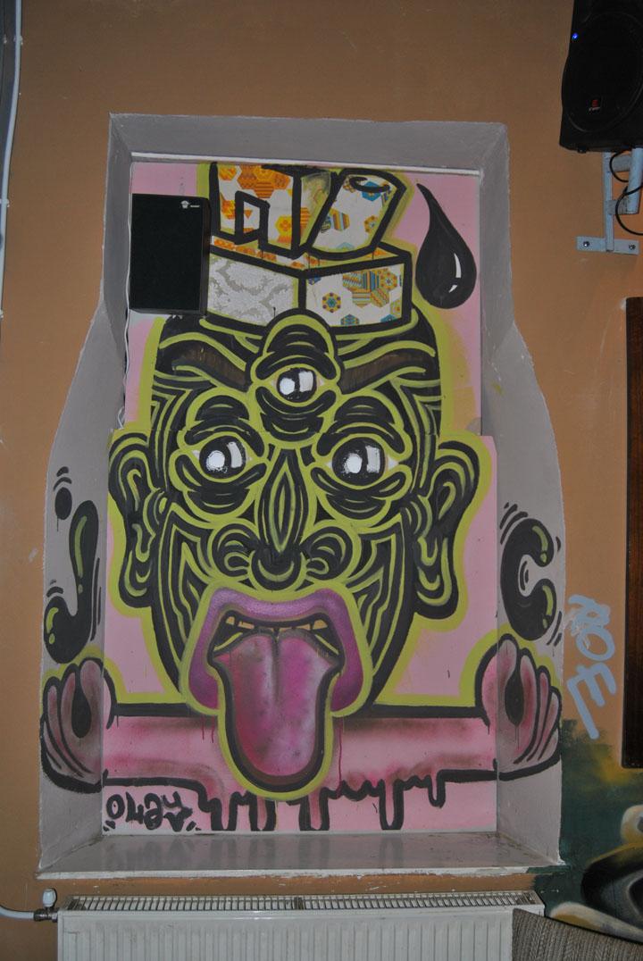 a-street-art-te-vagy-super8-06.jpg