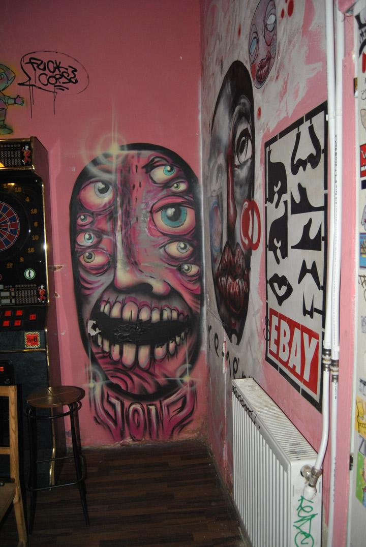 a-street-art-te-vagy-super8-14.jpg