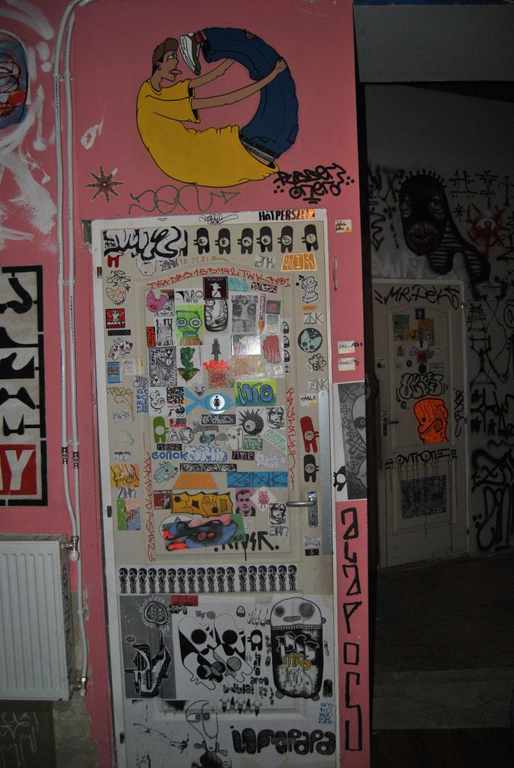 a-street-art-te-vagy-super8-19.jpg