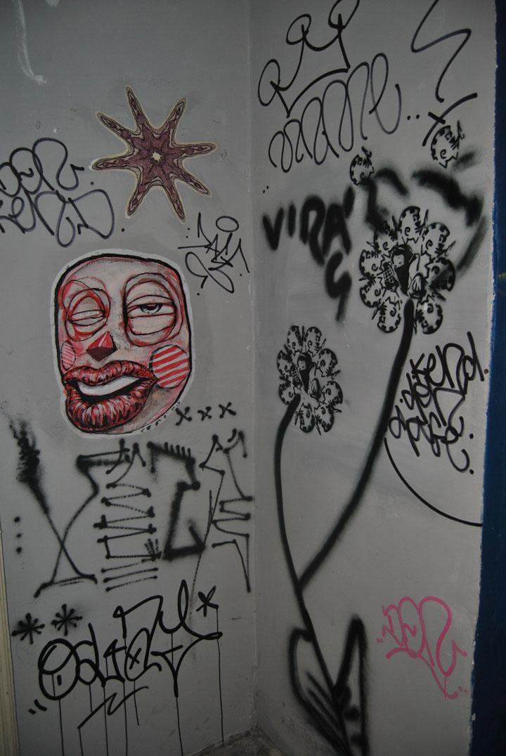 a-street-art-te-vagy-super8-21.jpg