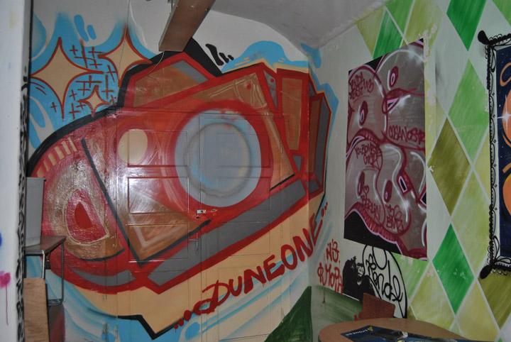 a-street-art-te-vagy-super8-26.jpg