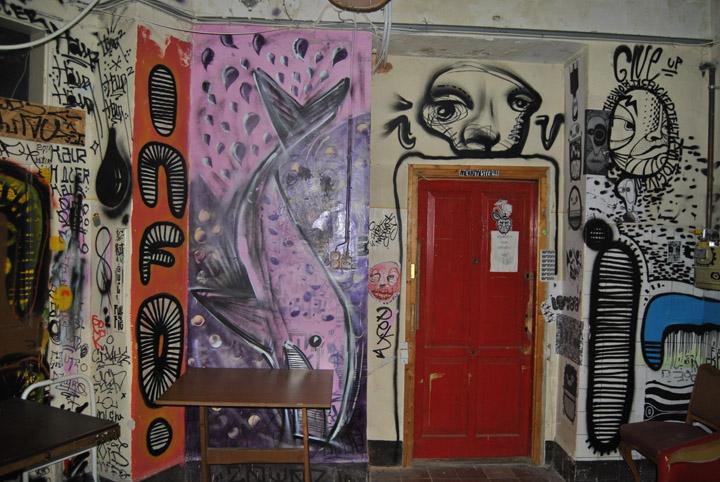 a-street-art-te-vagy-super8-28.jpg