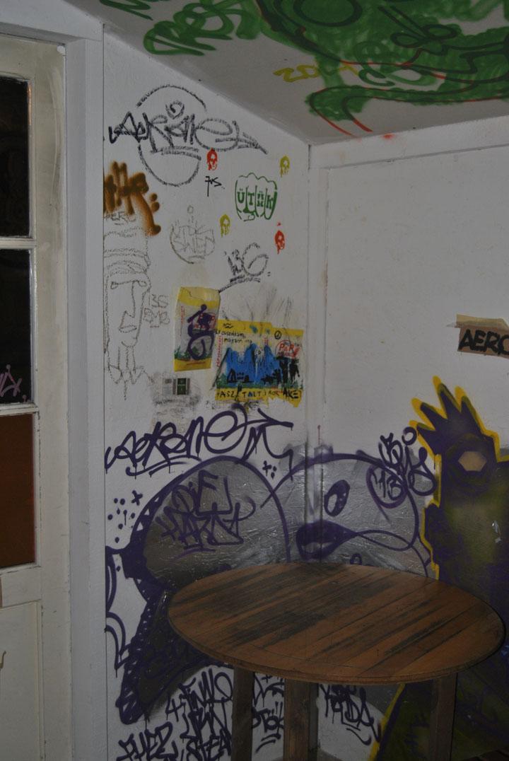 a-street-art-te-vagy-super8-31.jpg