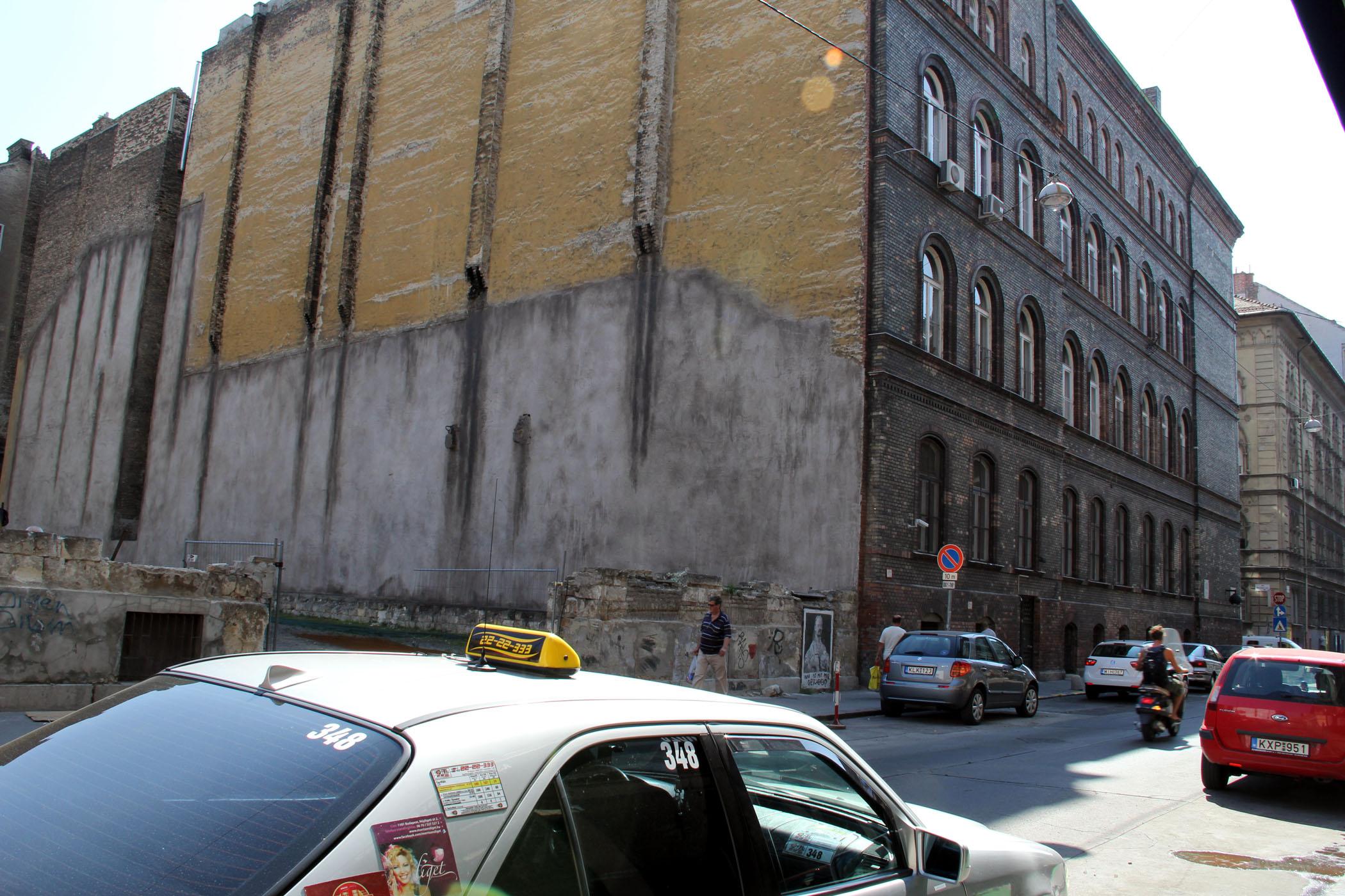 wesselenyi-kertesz-utca-tuzfal.jpg