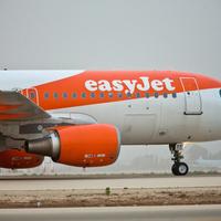 Sűrít Amszterdam felé az easyJet!
